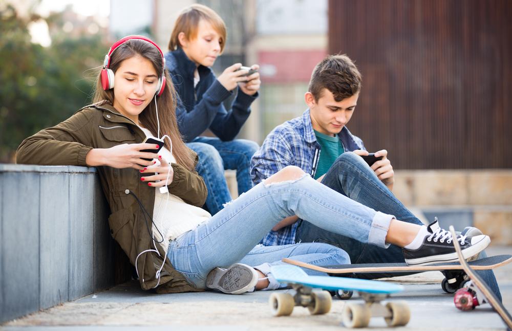 Los españoles: líderes europeos en el uso del móvil